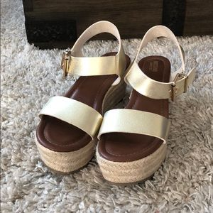 Mossino wedge sandal